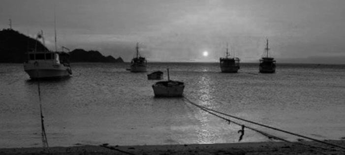 Sunset_Taganga_POTD_b&w_Santa_Marta